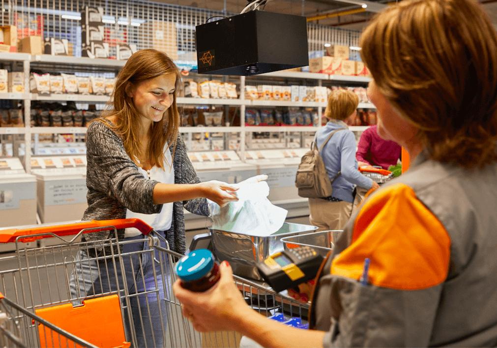Colruyt Meilleurs Prix devient le premier supermarché belge à tester la reconnaissance automatique des fruits et légumes